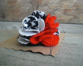 Alabama Crimson Tide inspired Scrappy Felt and Yarn Flower Pin Brooch - Crimson, Black & White - Handmade