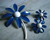 Blue Daisy Enamel Brooch and Earrings Set - Unmarked - Vintage