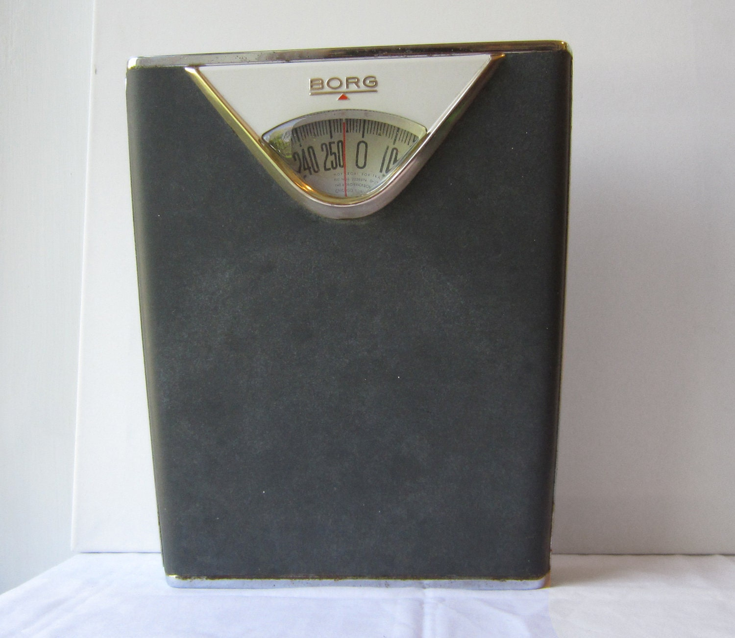 Vintage borg bathroom scale dark gray and chrome made in for Borg bathroom scale