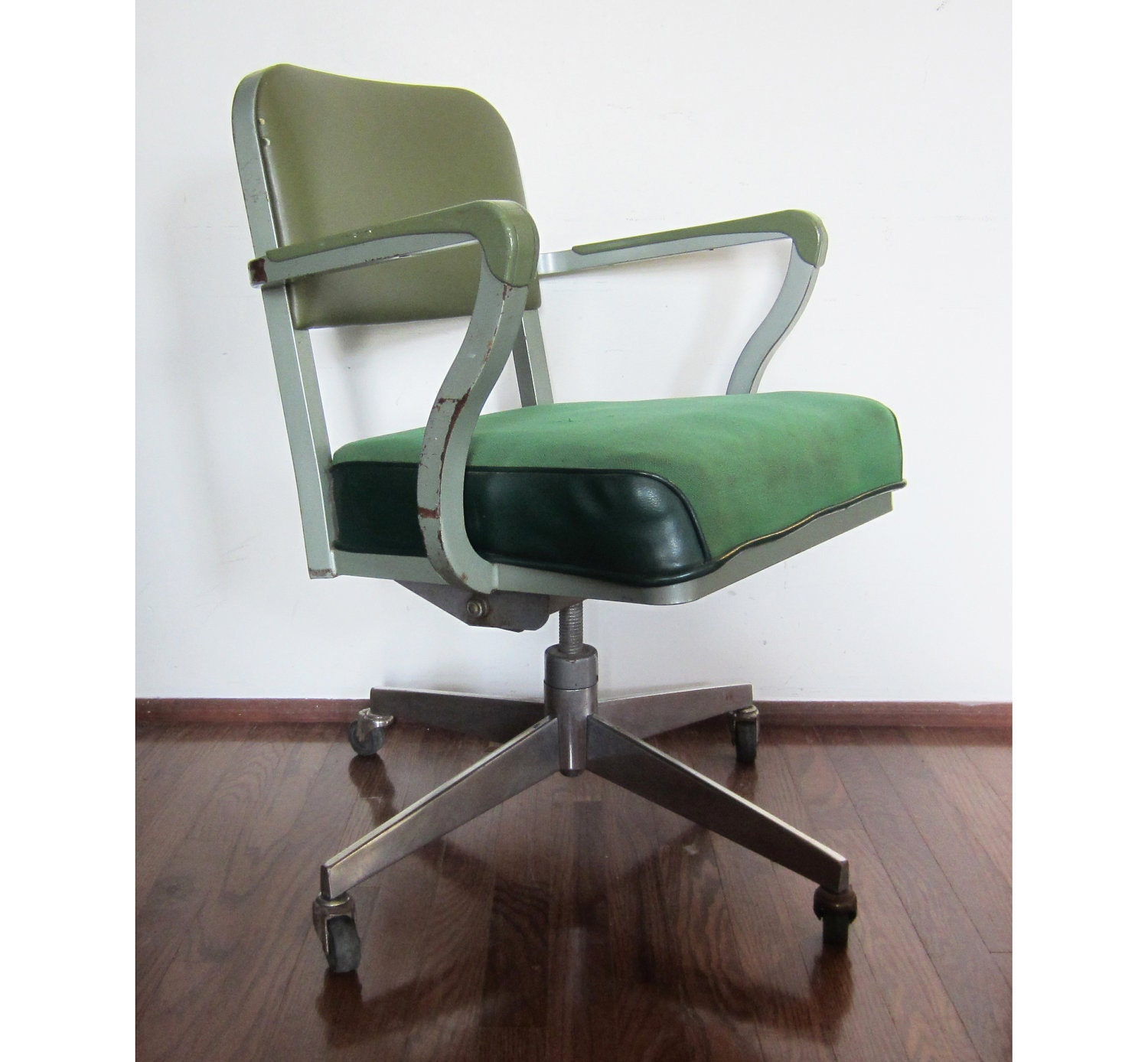 vintage steelcase green rolling computer office chair