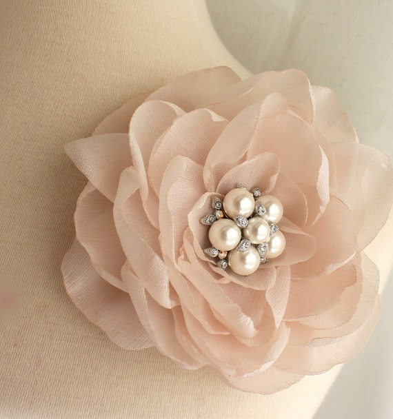 Vintage Style Blush Pale Pink Floral Fascinator - Brooch pin and Hair clip - 2 in 1 - Heirloom Crystal Pearl - Vintage Glamour Headpiece