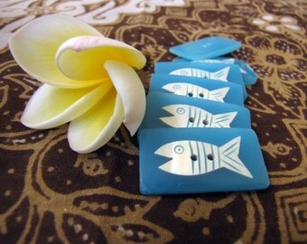 Manis Blue Fish Buttons 6pcs