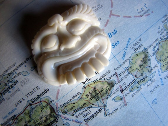 Balinese Mask Cabochon in Carved Bone