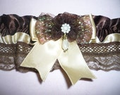 BROWN-CREAM GARTER----ADORNED WITH PEARL