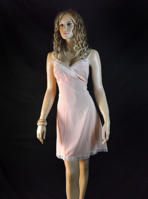 XL Plus size full slip1960s nylon slips peach lace - PL40