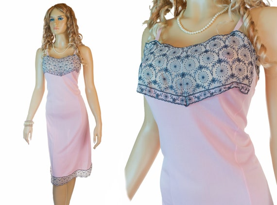 Plus size XL 1980s vintage full slip ostalgie pink grey gray embroidered (PL92)