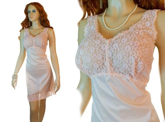 XL Plus size 1960s vintage peach lacy full slip deep lace petticoat (PL101)