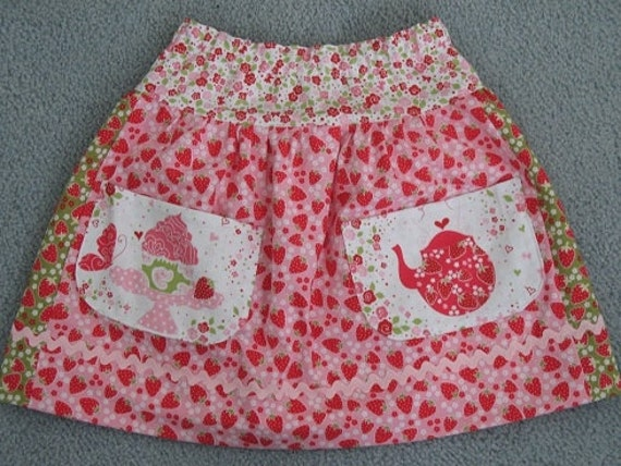 Strawberry Love Skirt size 5