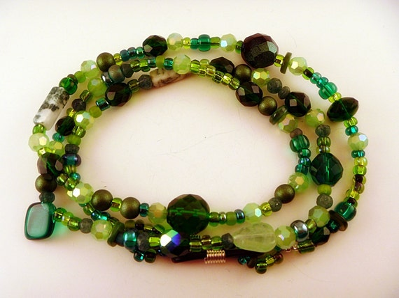 Evergreen and White / Czech Glass and Jade Eyeglass Chain Holder Leash / Lanyard / Necklace / Handmade