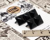 300Pcs 11 mm BLACK Color pyramid STUDS. (standard size)