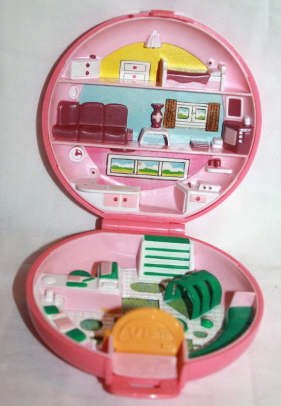 1989...Polly Pocket BUTTONS ANIMAL HOSPITAL Compact