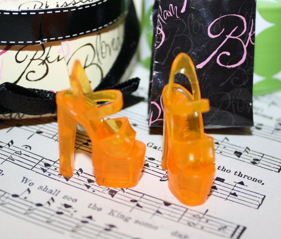One Pair  Shoes  for Pullip Blythe Barbie and similar sized Dolls SUPER CHUNKY Platform  ORANGE Strappy Heels