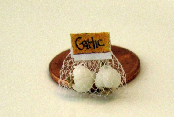 Garlic in a net bag