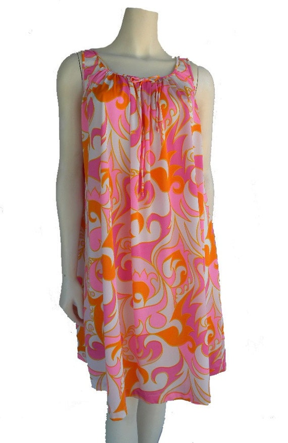 1960s Mod Vintage PUCCI Print SHORTIE Swing NIGHTGOWN Sz S Pink Orange White Abstract by Trillium Shirred Peasant Scoop Neck Full Swing Silhouette Betty Joan Megan Trudy Faye Jane Peggy Mad Men Gals Gone Mod