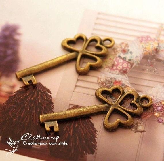 5 pcs Antiqued Vintage  Bronze plated brass Charms/Pendants- (Heart Key  ) 22x49mm(BAB-061)