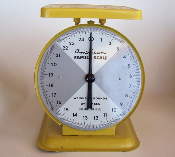 Vintage Kitchen Scales: Vintage American Family Kitchen Scale In Yellow