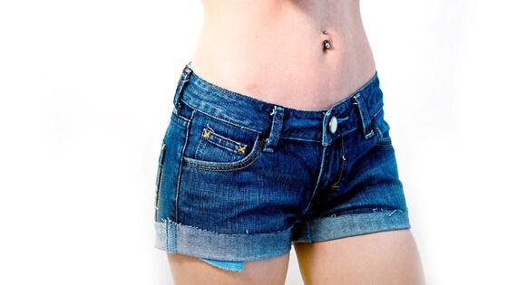 Vintage Low Waist Levis White Cut off Denim Shorts