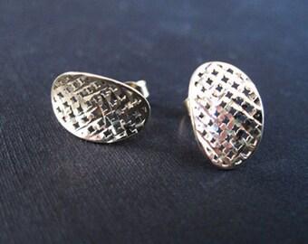 Elegant silver oval stud earrings, Silver earrings, Silver stud earrings, Silver dangle earrings, Modern earrings, Geometric pattern earring