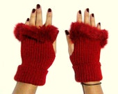 Fall Fashion,winter Accessories,Wrist Warmers,red fingerless gloves,Christmas gifts,bead processing