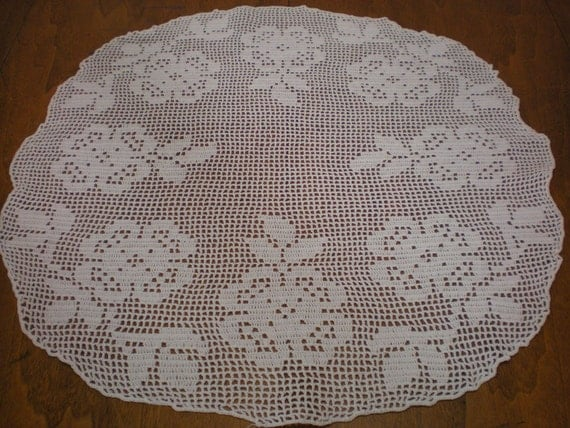 Links To More Than 10 000 Crochet Patterns And Pieces: Round Rose Filet Crochet Doily Table Topper By Strangenotions