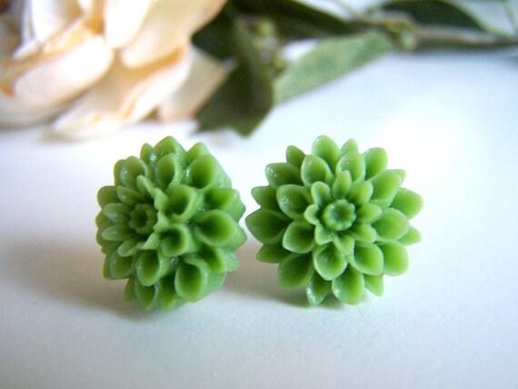 the grassy green chrysanthemum stud earrings.