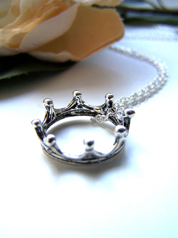 the crown necklace.