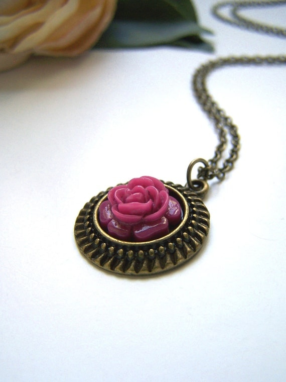 Petite Mulberry Flower Necklace