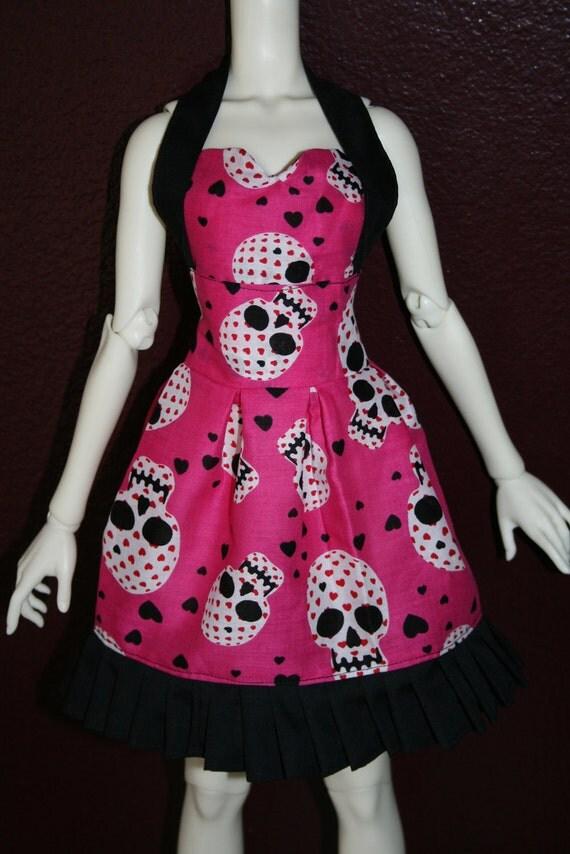 SD16 or Supergem Pink Heart Skulls Dress