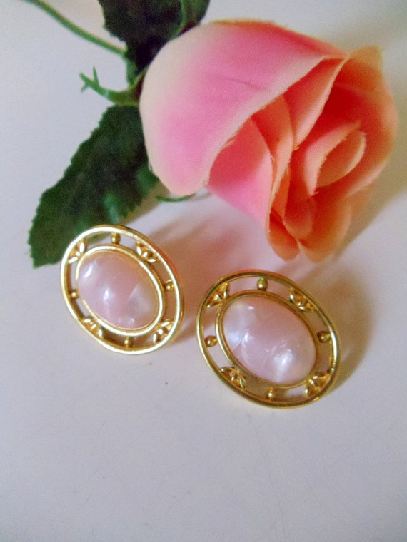 Pink Pearl Earrings- Monet-  Pierced- 1980- Vintage Jewelry