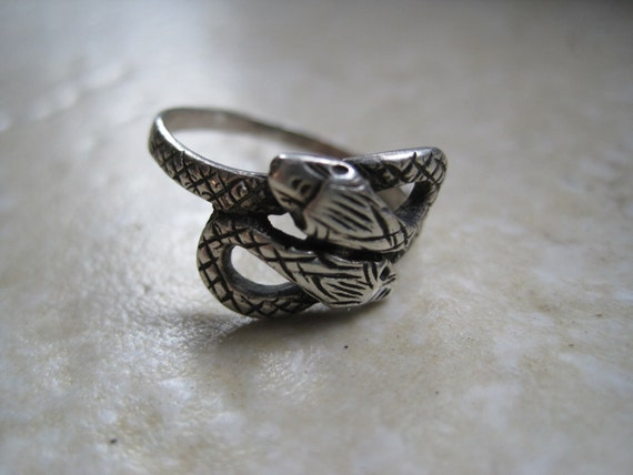 Vintage Snake Ring - Double Headed Snake - Sterling Silver 925 Ring - Size 8 - Serpent Ring