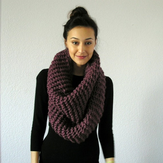 Knitting Pattern For Chunky Infinity Scarf : The Barrow Chunky Infinity Scarf FIG by deroucheau on Etsy