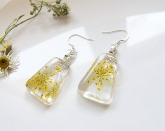 Yellow Flower Earrings, Resin Earrings, Yellow Lace Earrings, Pressed Flower Jewelry, Bridesmaid Gift, Nature Earrings, Christmas Gift