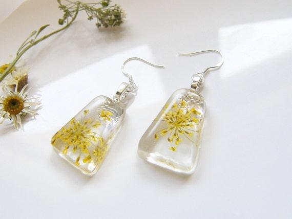 Yellow Flower Earrings, Resin Earrings, Yellow Lace Earrings, Pressed Flower Jewelry, Bridesmaid Gift, Nature Earrings, Christmas Gift