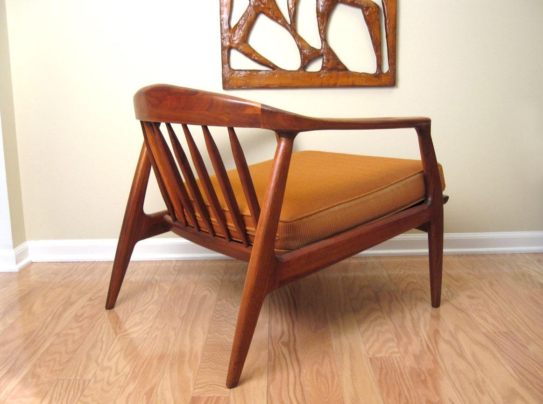 Danish Modern Walnut Lounge Chair Milo Baughman For Thayer