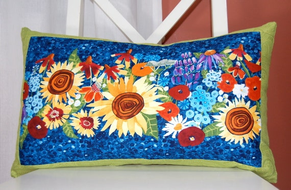 SALE, Summer Sunflower Pillow. Decorative Accent, Green Border
