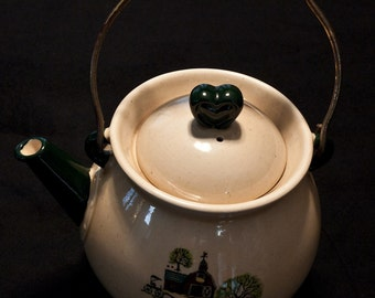 Farmhouse Ceramic Tea Pot