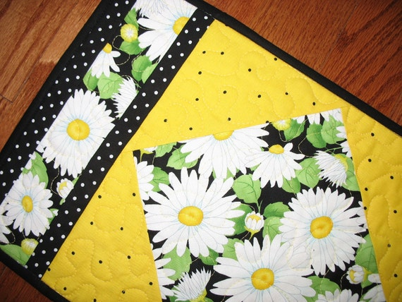 Reserved for Linda Daisy Place Mats Quilted and Reversible Set of 4