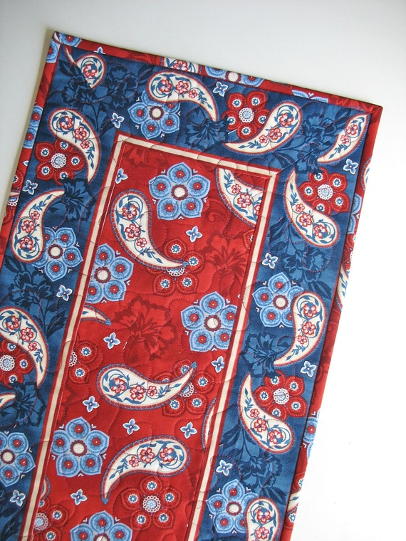 Americana Table Runner Reversible with Stars  fabric from Timeless Treasures