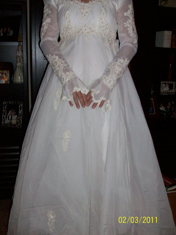 1978 White Sweetheart Wedding/Bridal Dress