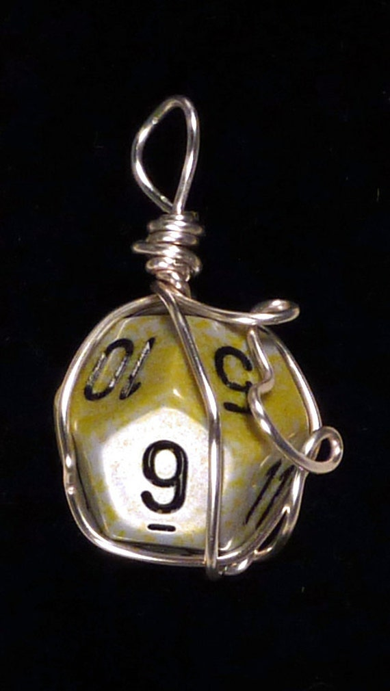 Gehin D12 Wire Wrapped Dice Pendant