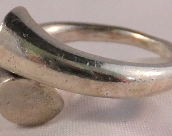 Vintage jewelry ring in 925 silver ring size 7.25 1970s 70s ring