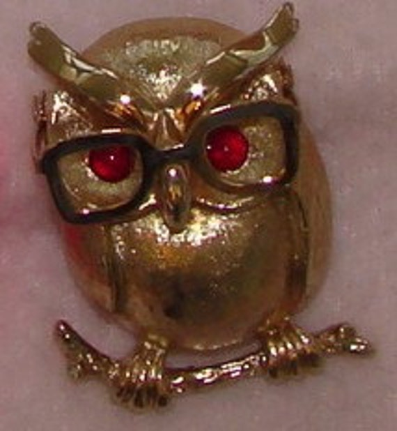 Vintage Sarah Coventry owl brooch in gold tone with eye glasses and ruby red rhinestone eyes Sale save 15 dollars