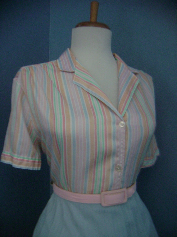 Vintage Short Sleeve 1950s 1960s Candy Striped Button Down Blouse