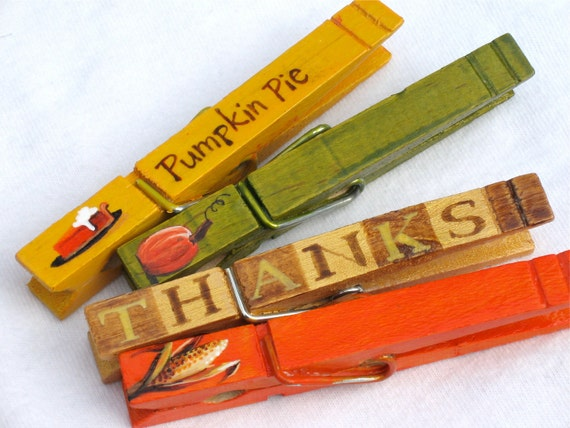 THANKSGIVING PLACE SETTING hand painted magnetic clothespin set