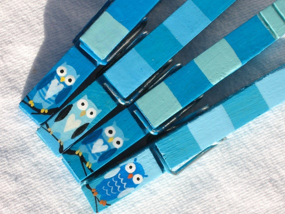 BLUE OWL CLOTHESPIN hand painted magnetic clothespin set