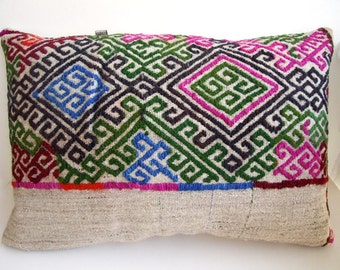 Handwoven Turkish Rug Pillow Cover, Decorative Pillows, Accent Pillow, Embroidered pillow, Kilim Pillow Cover, Vintage Pillow, Lumbar Pillow