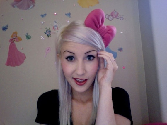 HELLO KITTY inspired BUBBLEGUM pink poofy girly hair bow (Made to order)
