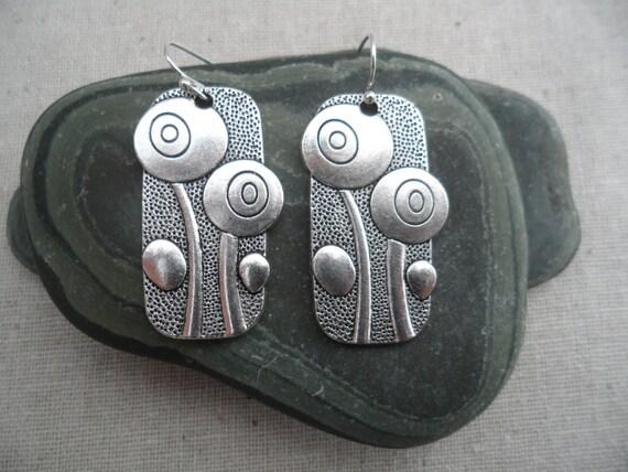 Silver Flower Earrings. Modern Earrings. Poppy Earrings. Whimsical Jewelry. Simple - Everyday - Earrings - Statement