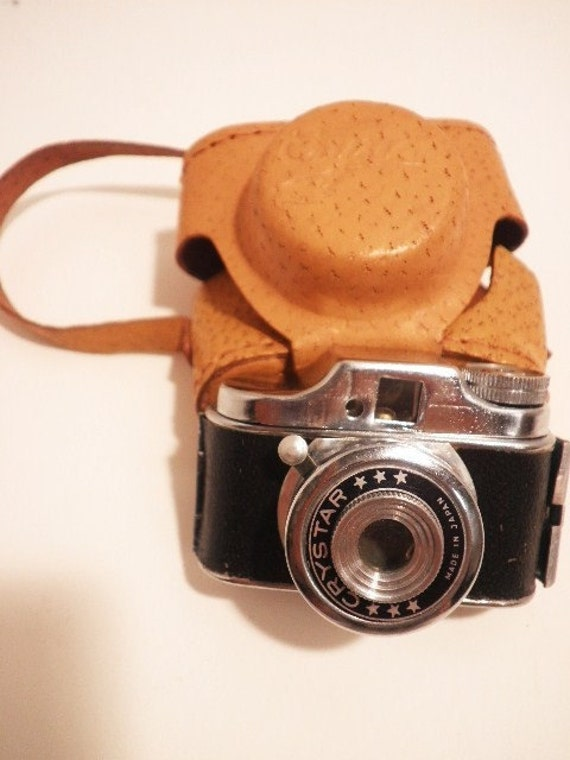 Vintage Crystar Mini Camera With Case