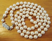 Vintage pearl necklace - 24 inches long